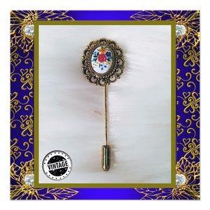 🏠 Vintage Floral Hat Pin